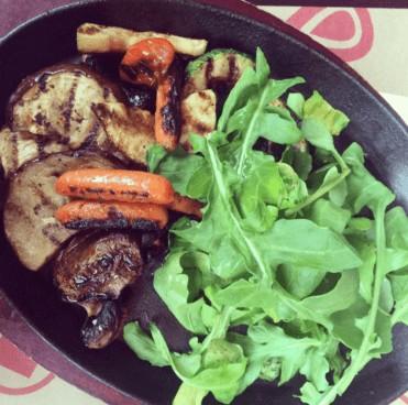 ensalada con carnes ideal para adelgazar con dieta cetogénica
