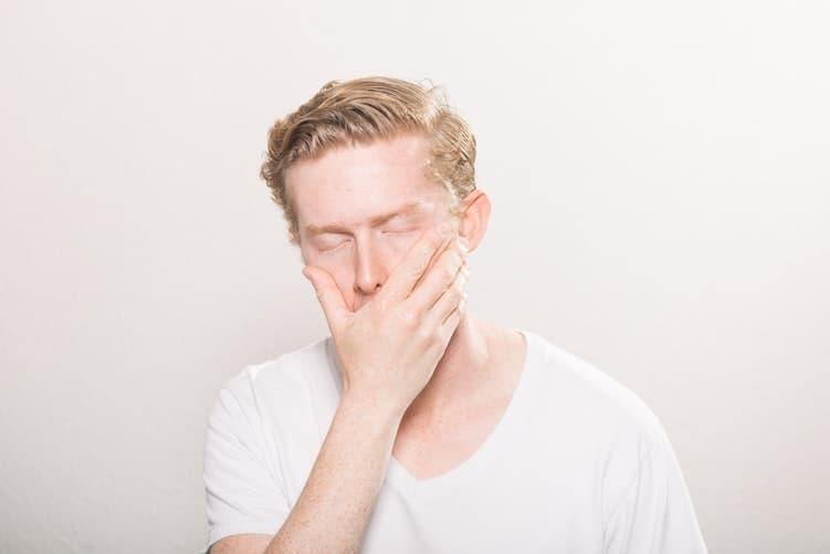 Cómo dormir lo suficiente en tan sólo cuatro horas